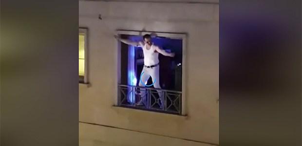 Conciertos de ventana de un clon de Freddie Mercury para animar el encierro