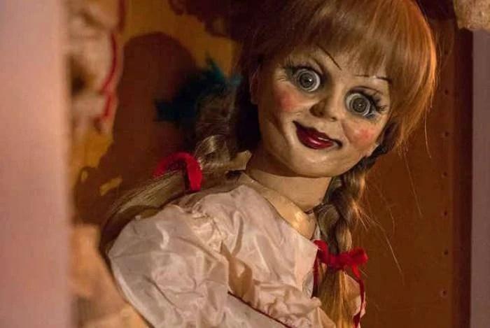 Fugiu? Boneca que inspirou filme 'Annabelle' teria desaparecido de museu oculto