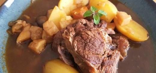 Deftiger Schmortopf mit Rindfleisch
