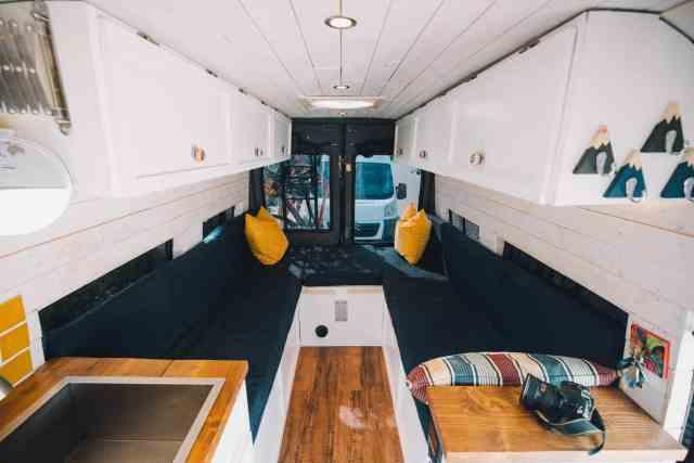 Camper Interview Vanlife LTD Convoy minibus innen