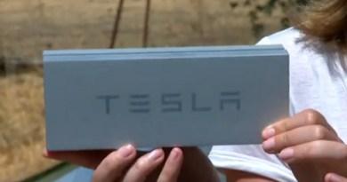 In dieser Box befindet sich der Schlüssel für das Elektroauto Tesla Model S. Bildquelle: CNet.com