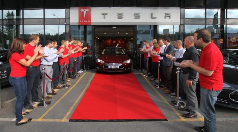 Das erste Elektroauto Tesla Model S, welches für den europäischen Markt bestimmt ist, wurde in Norwegen ausgeliefert. Bildquelle: Tesla Motors