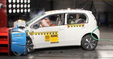 Der VW e-up! zeigt keinen Sicherheitsunterschied zu einem konventionellen Fahrzeug. Foto: ADAC/