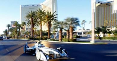 Hier ist das Elektroauto Spark-Renault SRT_01E auf dem Las Vegas Strip zu sehen. Bildquelle: Fia Formula E