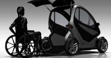 Das Elektroauto Equal ermöglicht es Menschen, welche auf den Rollstuhl angewiesen sind, einfach durch die Heckklappe ins Elektrofahrzeug zu fahren. Bildquelle: Absolute Design / Youtube