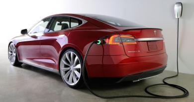 Das Elektroauto Tesla Model S hat von Consumer Reports den Titel bestes Auto im Jahr 2014 erhalten. Bildquelle: Tesla Motors