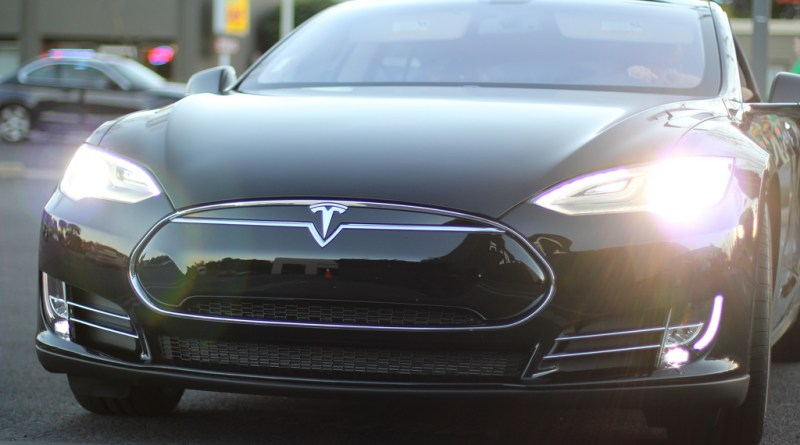 Elektroauto Tesla Model S. Bildquelle: FlickR jtjdt (CC BY 2.0)