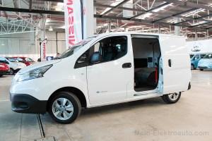 Elektroauto Nissan e-NV200 offene Seitentür