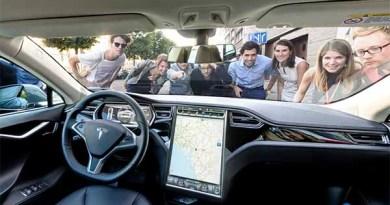 Das Elektroauto Tesla Model S von innen. Bildquelle: Screenshot Panobird