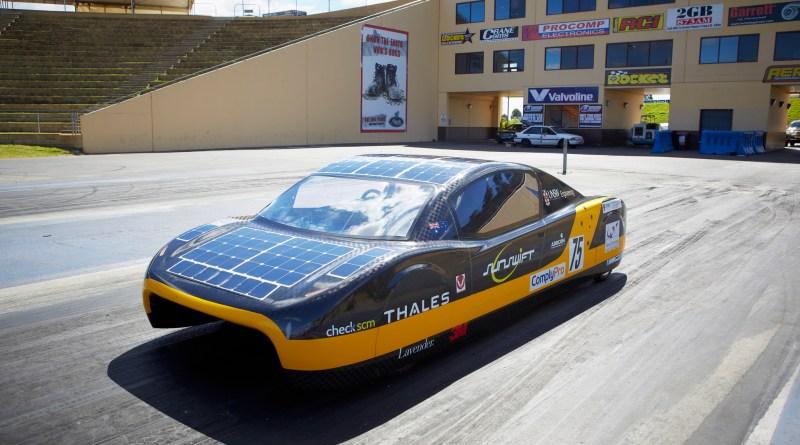 Dies ist das Solarauto Sunswift Eve. Bei dem Elektroauto handelt es um ein studentisches Projekt der Universität von New South Wales in Sydney. Bildquelle: http://www.sunswift.com