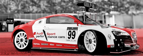 Dies ist das Modellauto, welches Audi für den Wettbewerb entwickelt hat. Es ist mit verschiedenen Sensoren und einem Computer ausgestattet.. Bildquelle: Audi AG