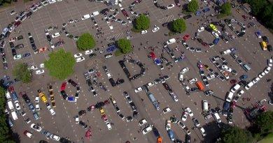 Auch das ist die Wave: Dieses Foto wurde am 31. Mai 2014 in Stuttgart zum Start der WAVE und der grössten E-Mobil-Parade der Welt (487 E-Fahrzeuge) aufgenommen. Bildquelle: .wavetrophy.com/ - dieses Foto entstand bei der