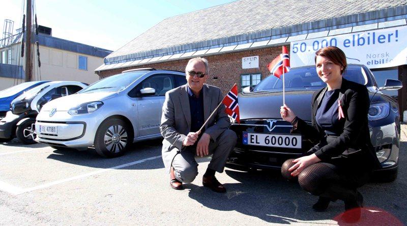 Das 50.000ste in Norwegen verkaufte Elektroauto war ein Tesla Model S. Bildquelle: Ståle Frydenlund: http://www.elbil.no/