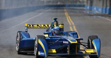 Hier ist Nicolas Prost im Formel E Rennfahrzeug in Argentinien unterwegs. Bildquelle: Renault