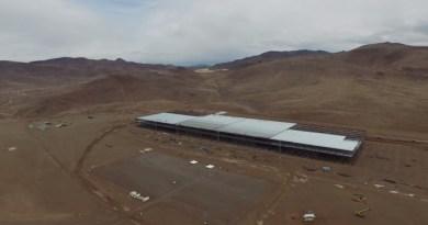 Symbolbild. Eine Drohne hat ein beeindruckendes Video von der Tesla Gigafactory aufgenommen. Bildquelle: Screenshot vom Youtubevideo, Kanal: Quick Laptop Cash