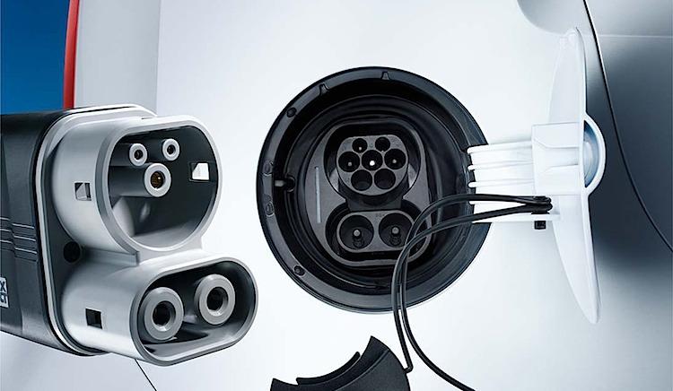 Ein CCS-Stecker. Foto: Volkswagen AG
