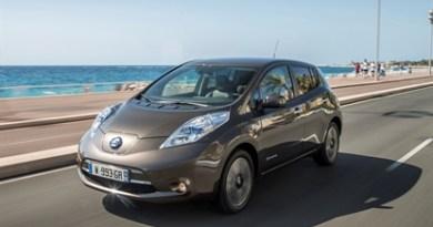 Elektroauto Nissan Leaf 2016 mit 30 kWh großer Batterieeinheit. Bildquelle: Nissan