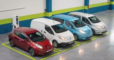 Elektroauto Nissan Leaf und 3 Varianten des Elektroauto Nissan e-NV200, Bildquelle: Nissan