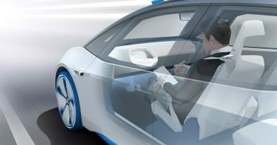 Volkswagen Showcar I.D. Der erste Volkswagen auf der völlig neuen Elektrofahrzeug-Plattform. Der erste Volkswagen, der für das automatisierte Fahren vorbereitet ist. I.D. ist das erste Fahrzeug von Volkswagen, das in Zukunft vollautomatisiert fahren kann. Im I.D. Pilot Modus verschwindet das elektrisch versenkbare Lenkrad im Cockpit, der Fahrer kann die Zeit der Mobilität aktiv nutzen. Bildquelle: Volkswagen