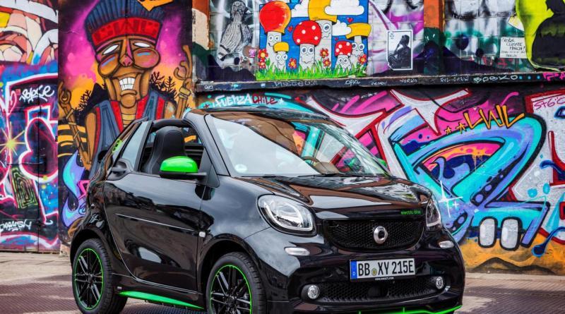 Das Elektroauto Smart electric drive gibt es jetzt auch als Cabrio. Bildquelle: Daimler / smart