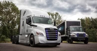 Neue Elektro-Lkw Freightliner eCascadia und Freightliner eM2 New electric trucks Freightliner eCascadia and Feightliner eM2 Bildquelle: Daimler AG