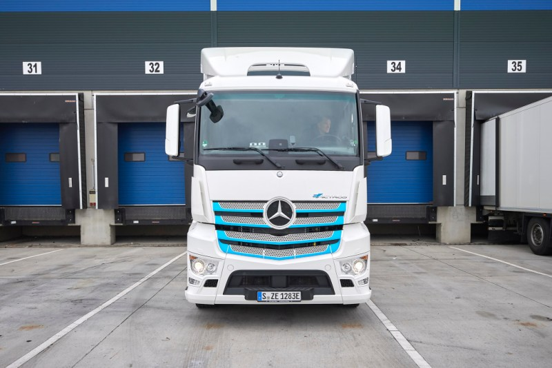 Electric truck Mercedes-Benz eActros