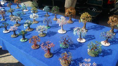 Schmuck und Kunstbäume