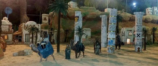 Krippe: Karawane auf Kamelen