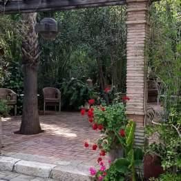 Mehr Treppen und Säulen