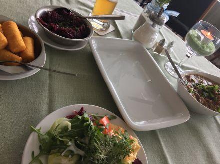 Das Mittagessen - schön angerichtet.