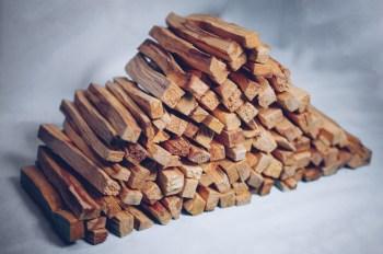 110 Palo Santo Sticks der Besten Qualität. Kernholz. Das Herz des Baumes.