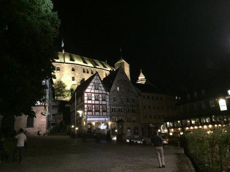 Abendlicher Blick auf die Burg