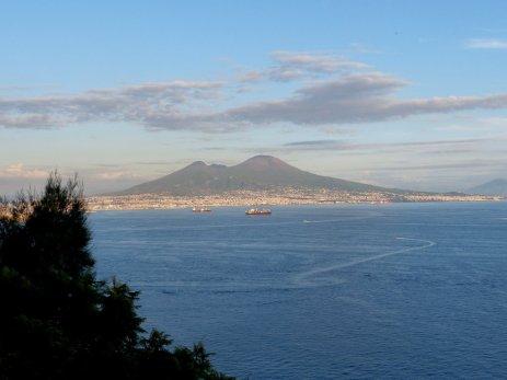 Der Golf von Neapel mit Vesuv