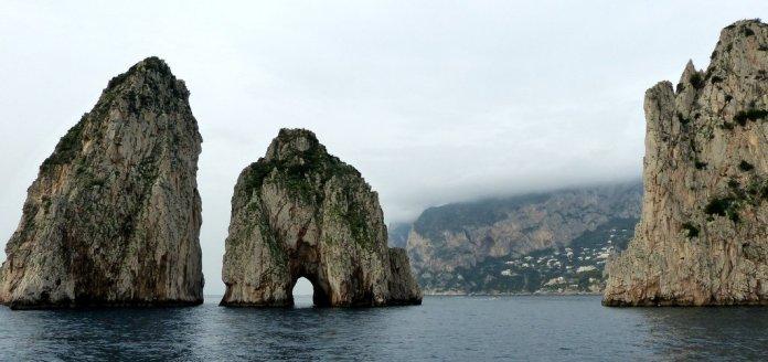 Die Faraglioni Felsen - ein Wahrzeichen von Capri