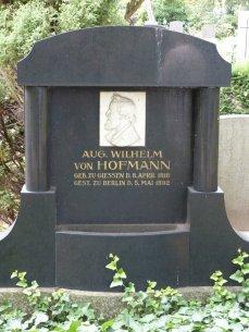 August Wilhelm von Hofmann, Industrieller (Entwicklung Anilinfarben)