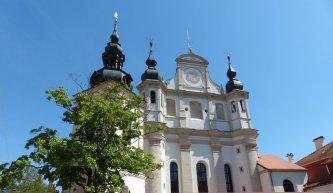 .....und Bernhardinerkirche, das Gotische Ensemble