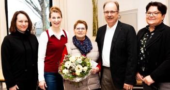 Neujahrsverlosung: Suzanne Martens darf sich über Hauptpreis freuen