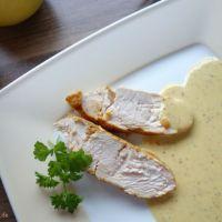Senfsauce mit Honig und Apfelsaft zubereitet, lecker zu Fleisch