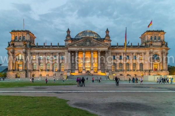 Reichstag Berlin zur blauen Stunde Leinwand, Acryl, Alu Dibond, Poster
