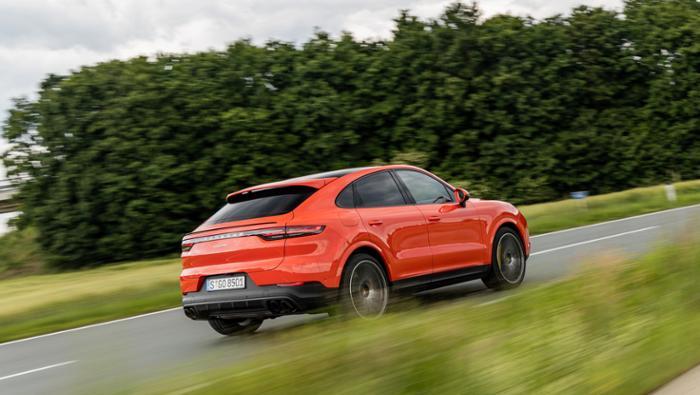Porsche steigert Umsatz um neun Prozent