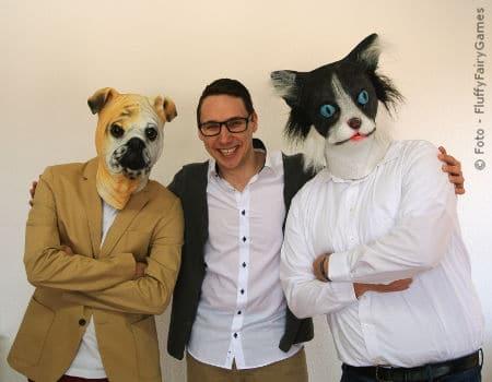 Janosch Sadowski mit Hund und Katze