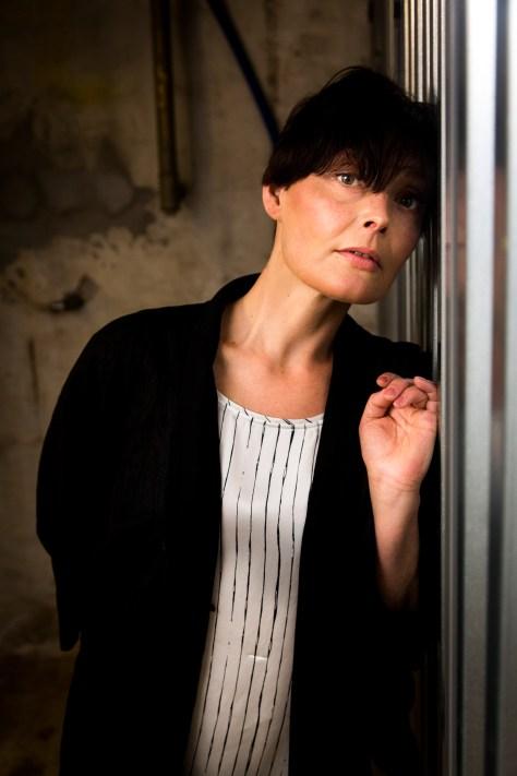 Chloe Avo Holm er efter en ungdom med narkomisbrug og prostitution endt med en karriere som professionel danser. Hun har netop fået udgivet en bog om sit liv.  Læs hele historien på Ude og Hjemme