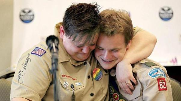 scouts-gay-20150727113007488101