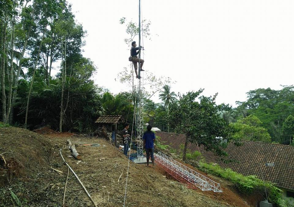 Pembangunan Tower Internet Wifi di Desa mekarmulya