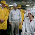 Produzione Apple Foxconn Tim Cook