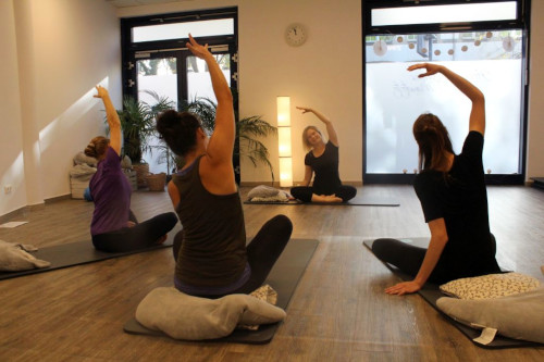 Friedrichshain Rückbildung Lotos Yoga