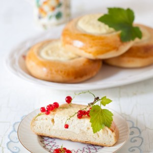 Russian Monday: Vatrushka Farmer Cheese Pastry