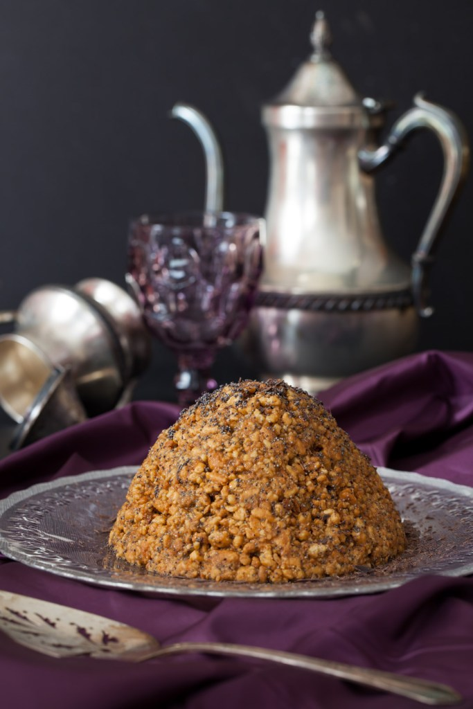 """Russian Monday: """"Muraveynik"""" – Anthill Cake with Caramel"""