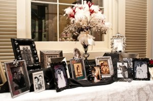 PHOTO TABLE