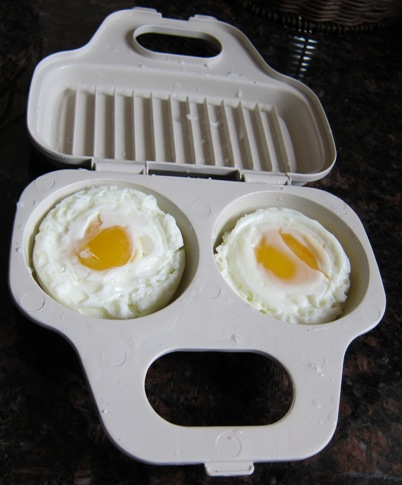 to cook eggs in a microwave egg poacher